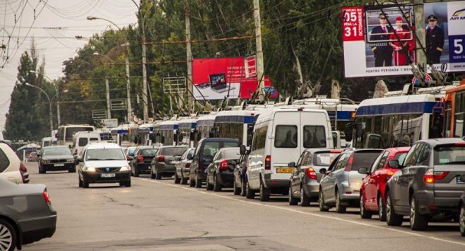 Lista străzilor din Chișinău unde, în prezent, s-au creat ambuteiaje. Evitați cozile interminabile