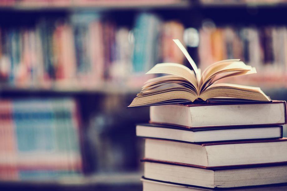 Trainerii MAIB recomandă câteva cărţi de educaţie financiară de citit şi în vacanţa de iarnă
