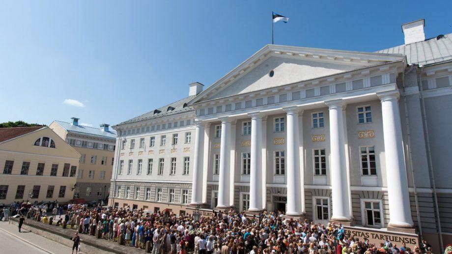 Universitatea din Tartu, Estonia, oferă 287 de burse de studii. Lista programelor la care poți depune dosarul