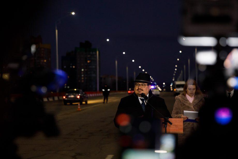(foto) Podul peste Nistru dintre orașele Rezina și Râbnița este iluminat pentru prima dată din 1993