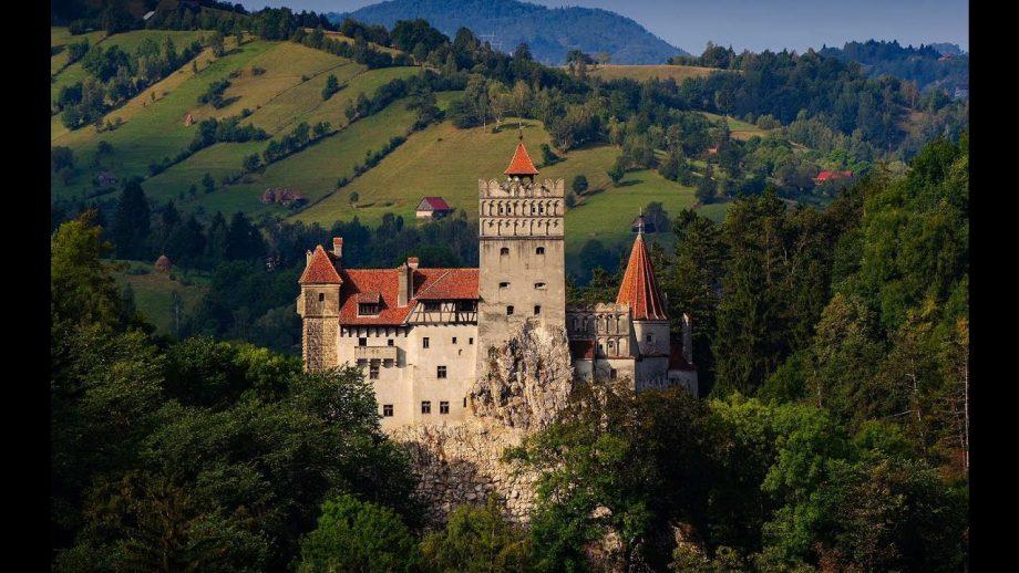 """(foto) Un castel din România a fost inclus pe lista celor """"50 de locuri din lume pe care trebuie să le vezi înainte să mori"""""""
