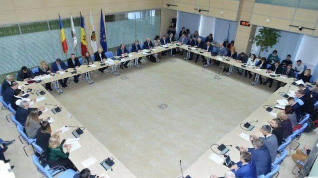 CMC a aprobat Acordul de colaborare adițional la Protocolul de Înfrățire, încheiat între Primăria municipiului Chișinău și Primăria municipiului București la 4 noiembrie 1999