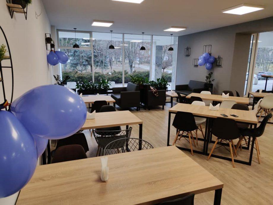 (foto) Studenții de la UTM se pot bucura de două cofetării moderne și noi, amplasate în incinta instituției