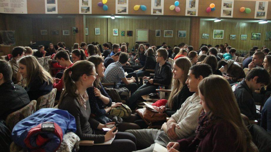 Elevii pot participa la Cupa Liceelor 2020. Care este programul filmărilor și cum te poți înregistra