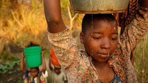 Primii 22 dintre cei mai bogați oameni din lume au o avere mai mare decât averea tuturor femeilor din Africa