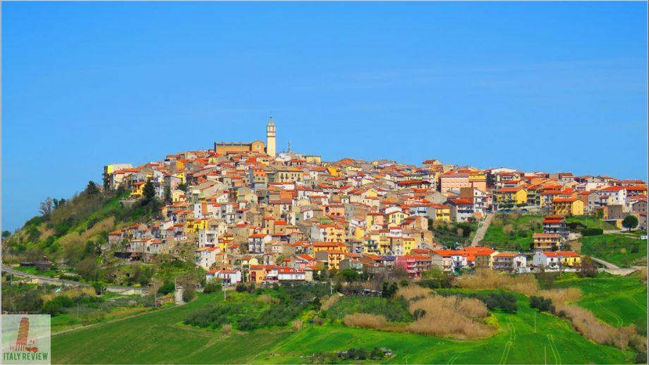 """Un oraș din Italia scoate la vânzare 90 de case la prețul de un euro. """"Încurajăm oamenii să cumpere mai mult decât o casă"""""""