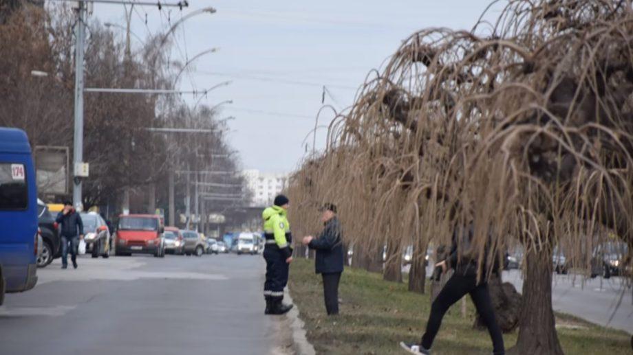 """(video) Pietonii care vor traversa strada neregulamentar vor fi amendați. INP desfășoară operațiunea """"Pietonul"""""""