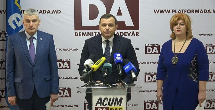 """Năstase și Slusari despre exportul producției pomicole moldoveneşti: """"A fost privatizat de către Igor Dodon"""""""