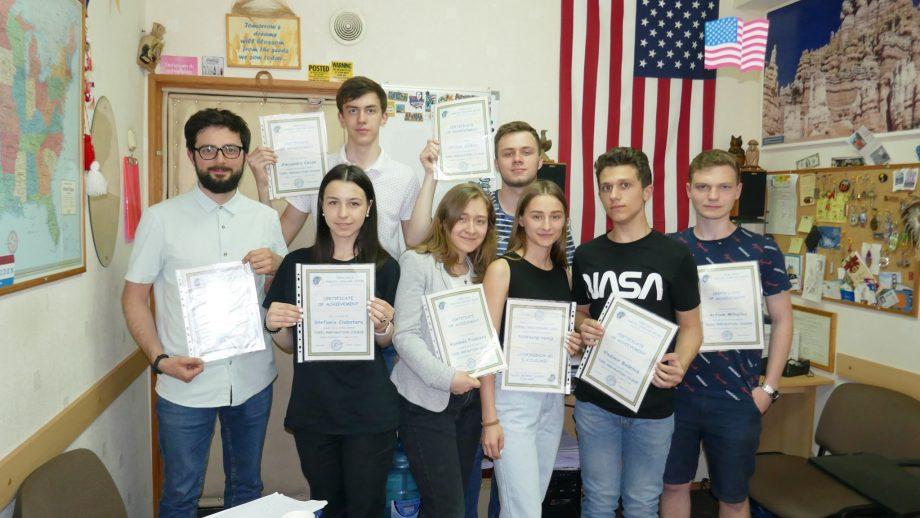 O școală de pregătire pentru TOEFL din Chișinău oferă un curs gratuit pentru un tânăr din Moldova. Cum poți participa în concurs