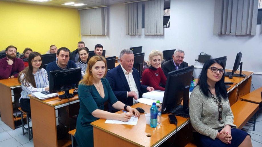 O nouă promoție de masteranzi a absolvit programele Facultății Electronică și Telecomunicații de la UTM