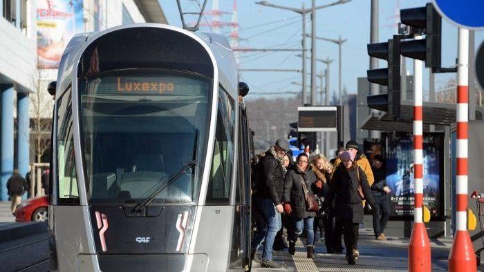 Duminică, Luxemburgul va fi prima ţară din lume în care utilizarea întregii reţele de transport public va fi gratuită