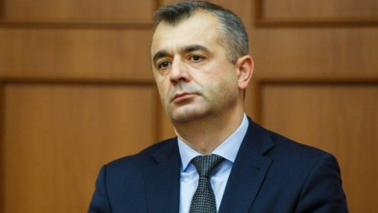 (doc) Ion Chicu a prezentat raportul de 100 de zile nu în fața deputaților, dar în fața presei, din cauza că tribuna principală i-a fost blocată