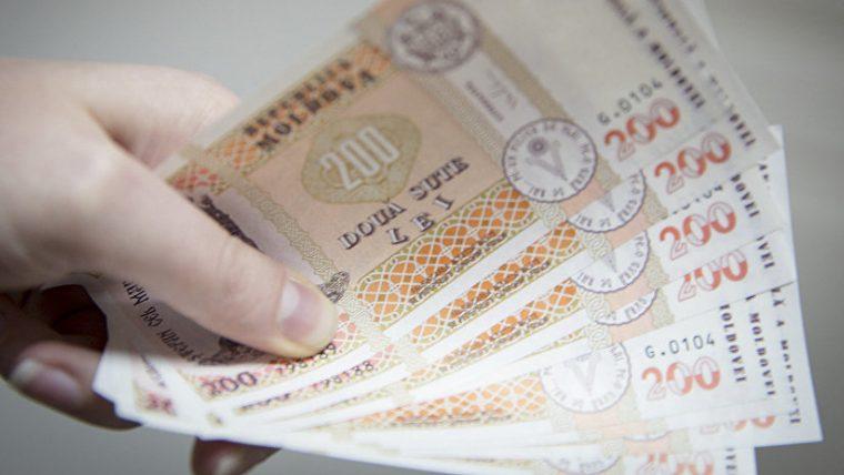 (grafic) A crescut de 14 ori. Cum a evoluat salariul mediu lunar pe economie începând cu anul 2000, în Moldova