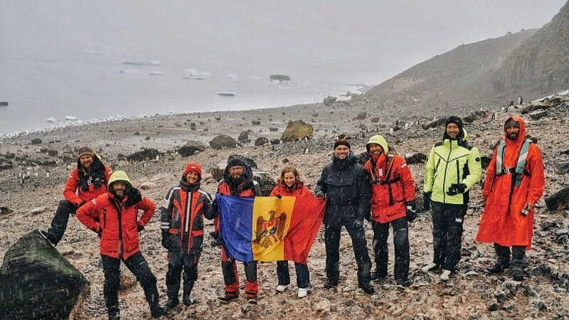 """(foto) Anatol Untură povestește în jurnalul său despre călătoria sa în Antarctica: """"Este un peisaj de pe planeta Marte"""""""