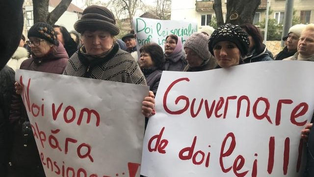 """Membrii și simpatizanții Partidului """"ȘOR"""" cer majorarea pensiilor"""