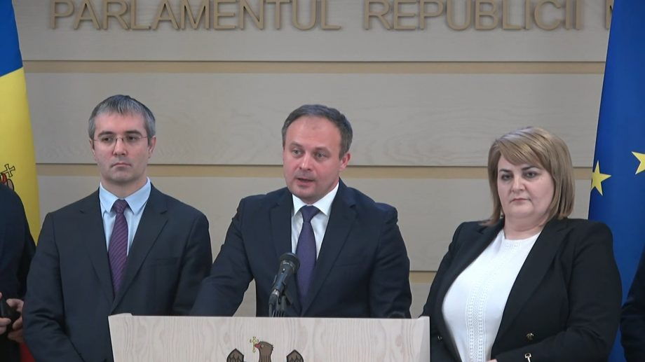 (video) Adrian Candu alături de cinci deputați părăsește Partidul Democrat din Moldova