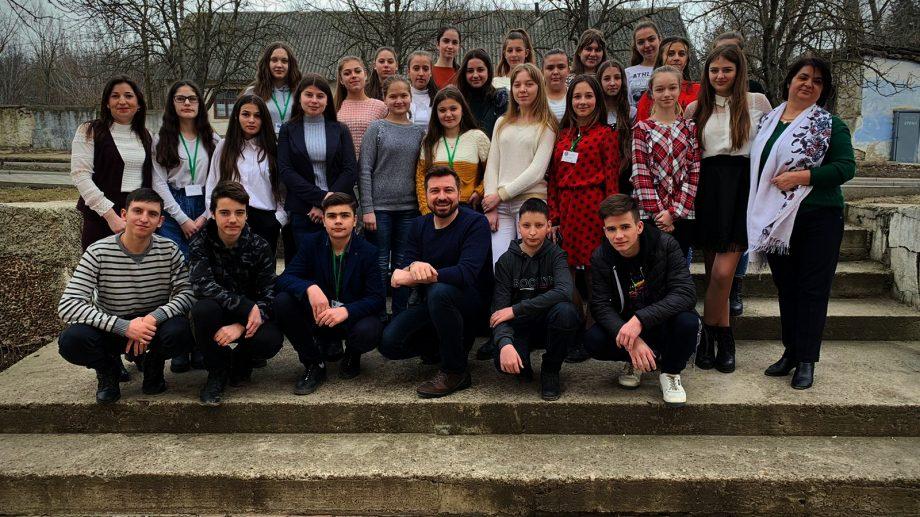 """(foto) Cum s-a desfășurat trainingul """"Ce sunt Consiliile de Tineret?"""" la care au participat tineri din Șoldănești"""