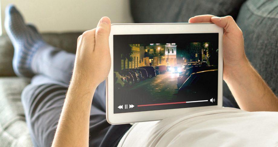 Facebook, Instagram, Disney+ și Amazon vor limita calitatea stream-urilor de filme și seriale în Europa