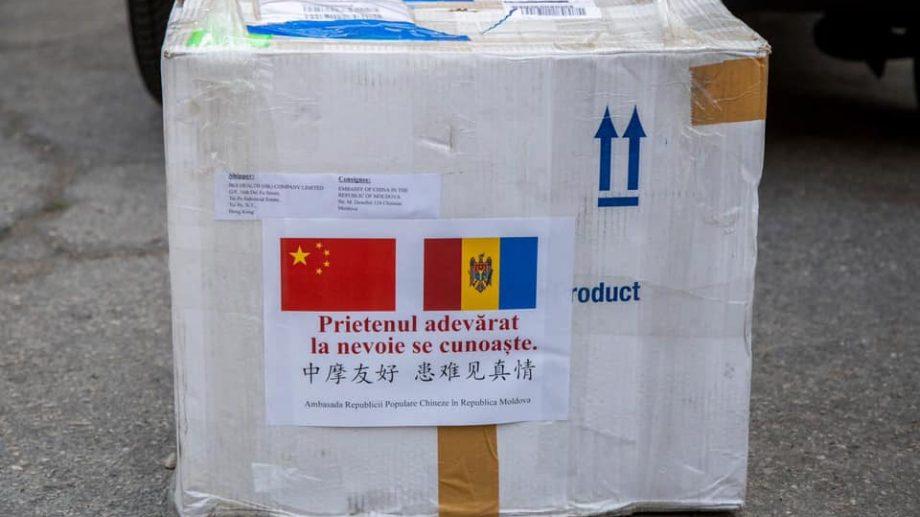 Moldova a primit un lot de 1 500 de teste pentru diagnosticarea COVID-19, din partea Ambasadei Chinei la Chișinău