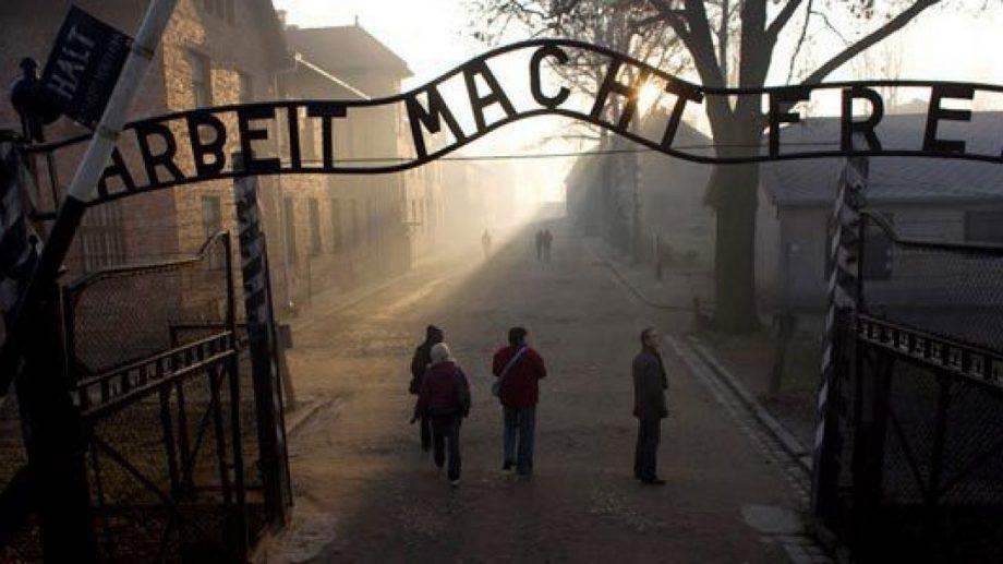 Marșul anual comemorativ de la Auschwitz a fost amânat pentru prima oară din anul 1988 din cauza coronavirusului
