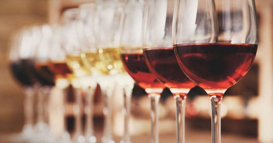 Vești bune pentru cei care nu au cu cine ciocni un pahar cu vin! Se deschide clubul virtual săptămânal N.O.R.O.C.