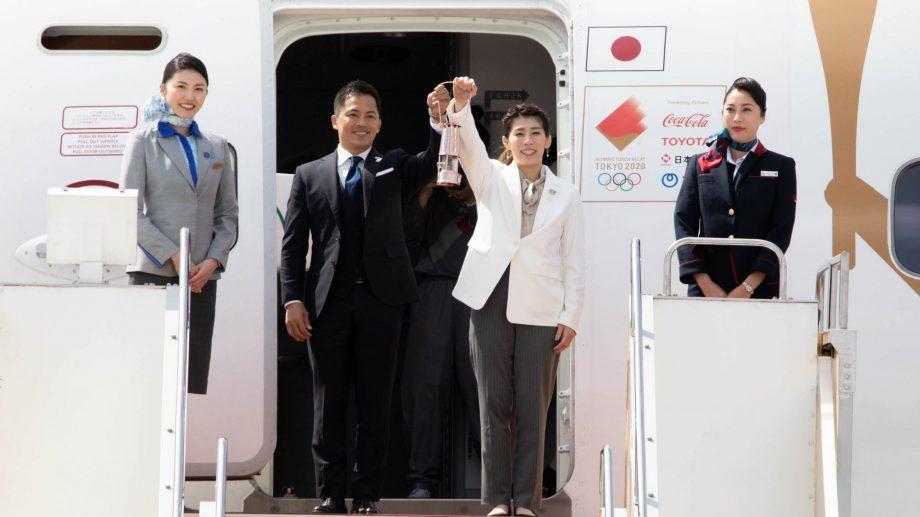 (video) Flacăra Olimpică a ajuns pe pământ nipon după 22 de ani