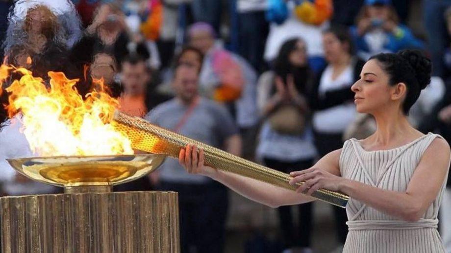 """Ceremonia de aprindere a flăcării olimpice se va desfășura fără spectatori. """"Vor fi doar 100 de invitaţi şi oaspeţi acreditaţi"""""""