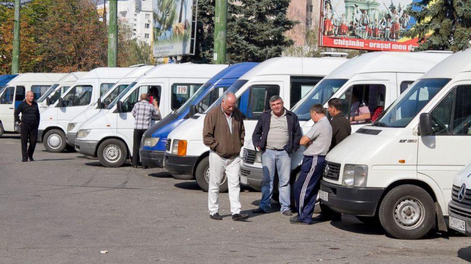 Trei rute municipale de microbuz își modifică itinerarul. Care sunt noile trasee ale rutelor 101, 103 și 121