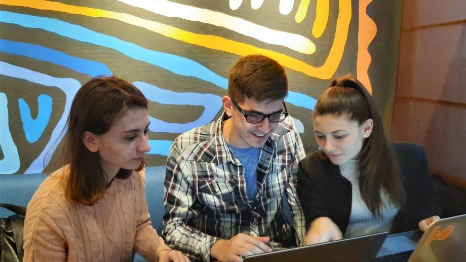 Soluții digitale pe timp de pandemie. Cunoaște-i pe cei de la Code for Moldova și află cum te poți implica pentru o cauză nobilă