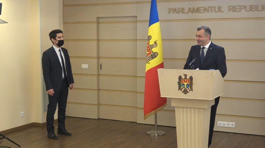 """Mihai Popșoi a întrerupt conferința de presă a lui Ion Chicu. """"Nu vă este rușine?"""""""