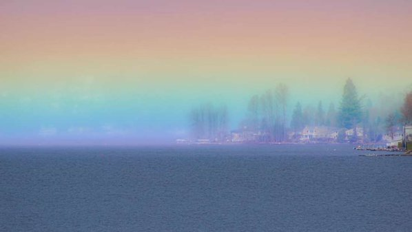 """(foto) """"Curcubeul de foc"""" a fost surprins deasupra lacului Sammamish din America"""