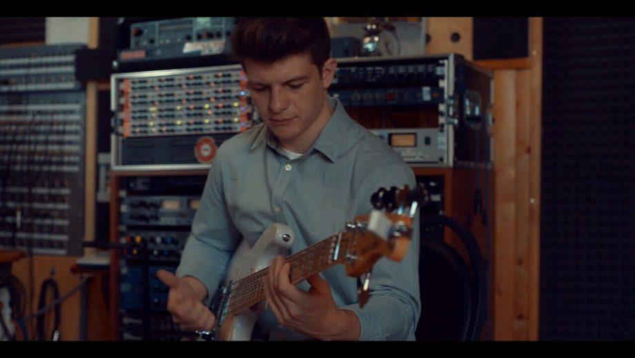 Prima mea carantină. Cristian Chiaburu ne cântă jam-uri de carantină și povestește despre viața unui muzician pe timp de pandemie