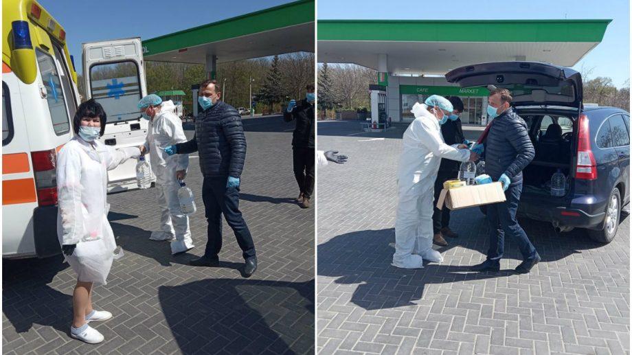 (foto) Năstase, alături de colegii de la Platforma DA, a donat echipament medical pentru doctorii de la spitalul din Soroca