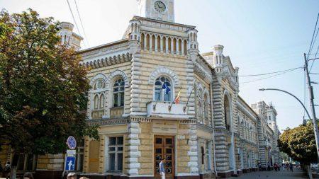 Horoscopul candidaților la funcția de primar de Chișinău. Ce le prezic astrele lui Ceban și Năstase