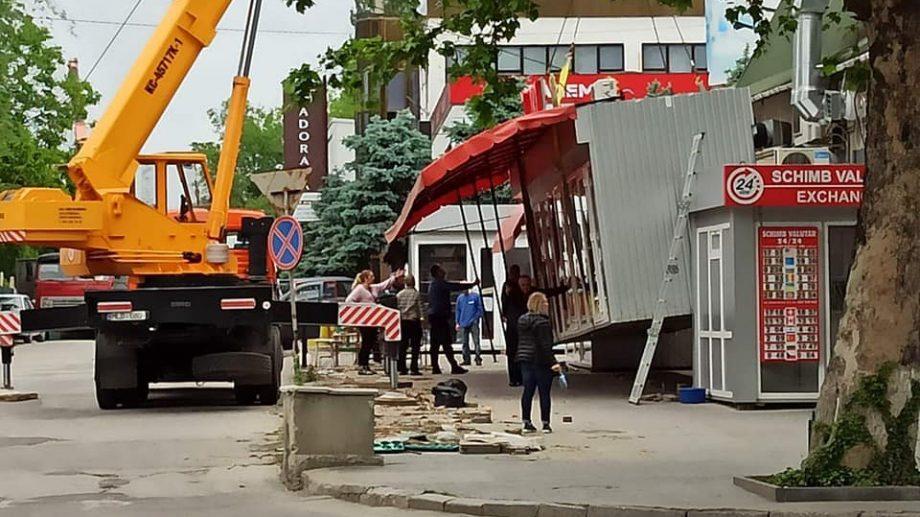 (foto) În ultimele șase luni, au fost evacuate 60 de gherete din sectorul Buiucani al capitalei