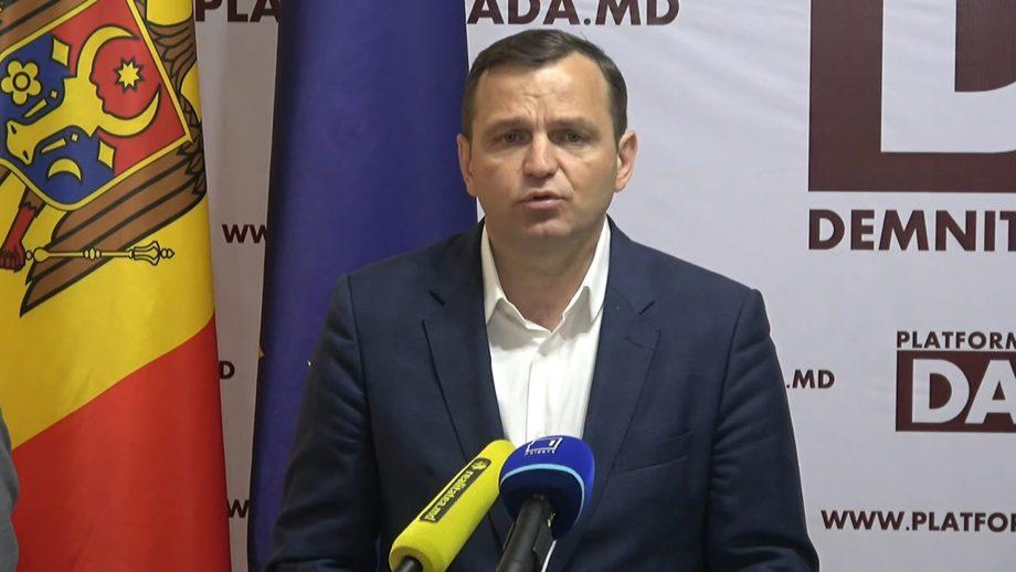 """PPPDA cere reluarea ședințelor parlamentului. """"Se obstrucționează crearea comisiei care să investigheze faptele de corupție ale lui Dodon"""""""
