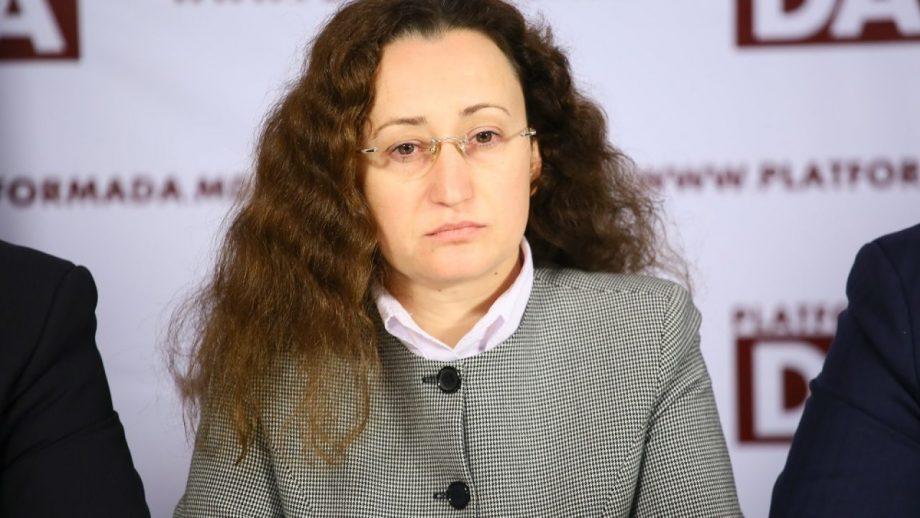 """""""De ce continuăm să fim lipsiți de apă și canalizare în casele din Moldova?"""" Răspunsurile deputatei Inga Grigoriu"""