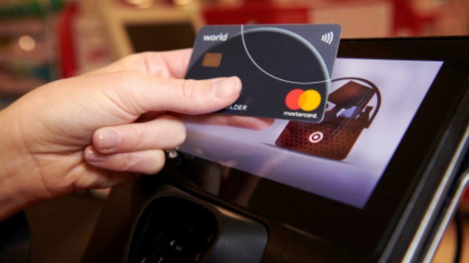 Avantajele utilizării unui card fără contact. Această tehnologie este folosită la cinci milioane de terminale de plată situate în întreaga lume