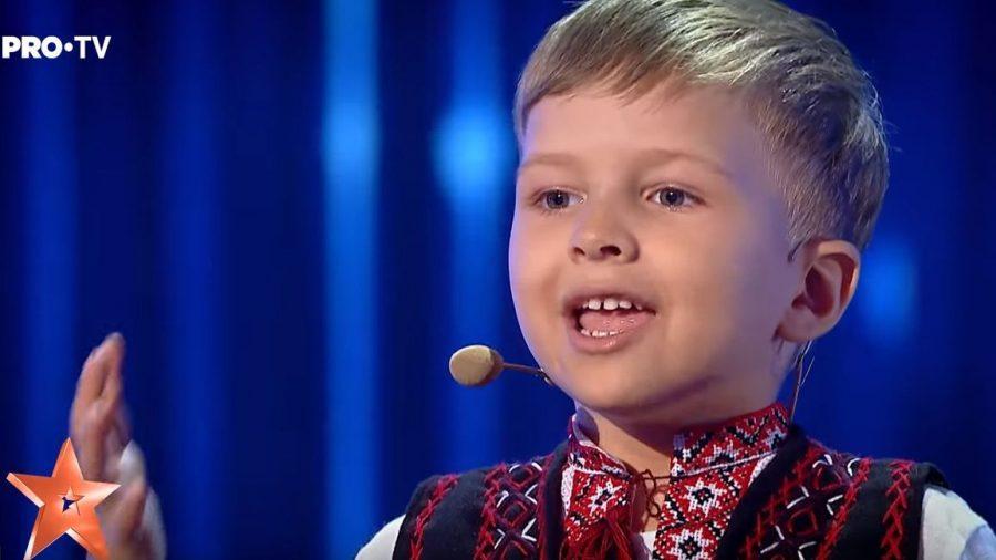 """Vlad Ciobanu, un băiețel din Chișinău, a cucerit """"Românii au talent"""" prin poezie și a câștigat premiul de 10 000 de euro pentru originalitate"""