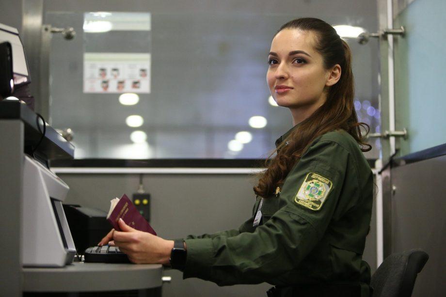 Guvernul ucrainean a anulat autoizolarea pentru străinii cu test COVID-19 negativ efectuat după trecerea frontierei