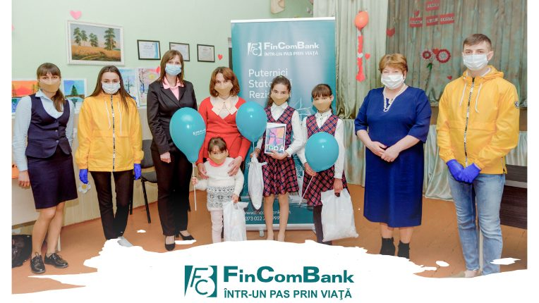 """(video) Campania """"Inspiră copilul pentru un viitor mai bun"""", susţinută de FinComBank"""