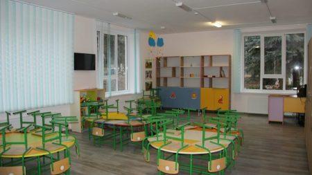 14 copiii otrăviți cu înălbitor la o grădiniță din stânga Nistrului. Educatoarea ar fi turnat soluția în cești, crezând că e apă