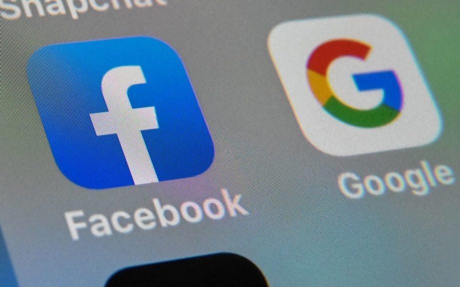Utilizatorii Facebook îşi pot transfera fotografiile și videourile pe Google Photos. Cum activați opțiunea