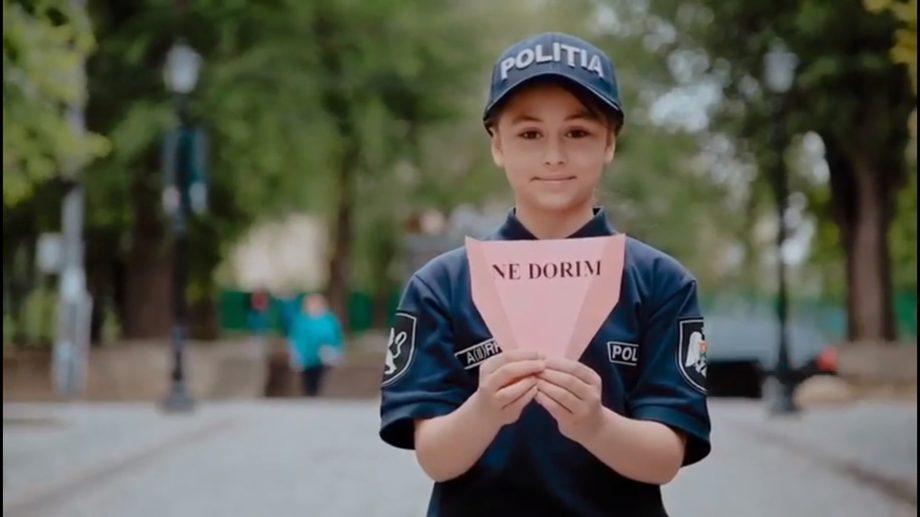 (video) Poliția din Moldova felicită copiii cu ziua internațională