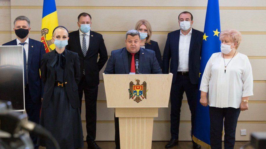 """PSRM și Dodon blochează inițiativa Partidului """"ȘOR"""" privind reluarea retransmiterii unor emisiuni TV din Rusia"""