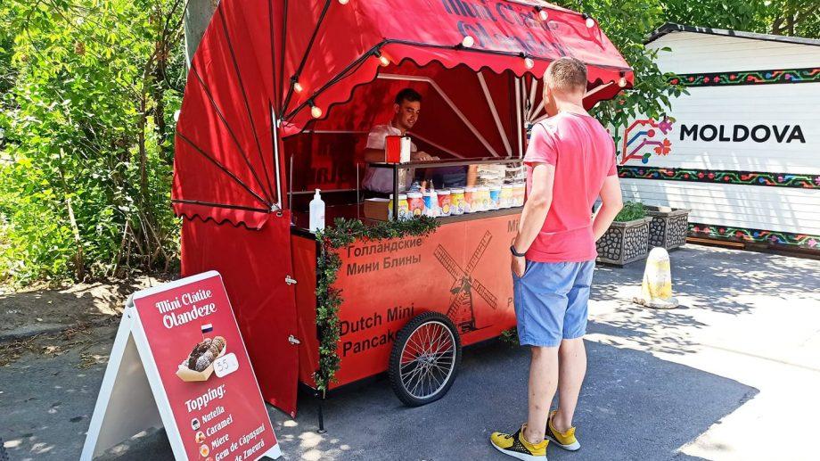 Tricicleta cu miniclătite olandeze a ieșit din nou la plimbare după o pauză de opt luni de zile