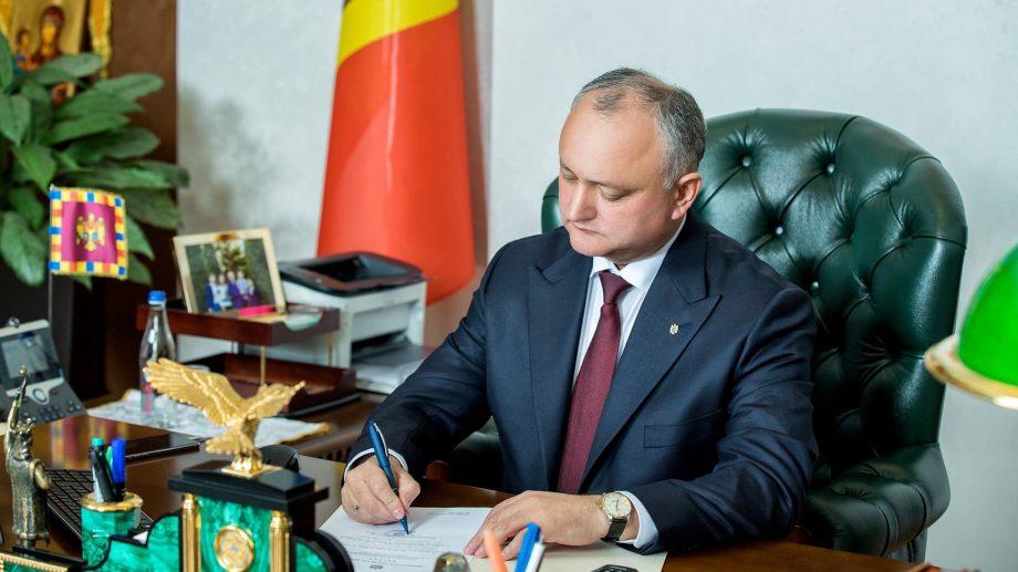 Igor Dodon a promulgat pachetul de legi pentru care guvernul și-a asumat răspunderea în fața parlamentului