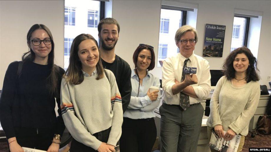 "Tinerii jurnaliști din Moldova se pot înscrie la bursa ""Václav Havel 2020/2021"" pentru un stagiu la Praga"