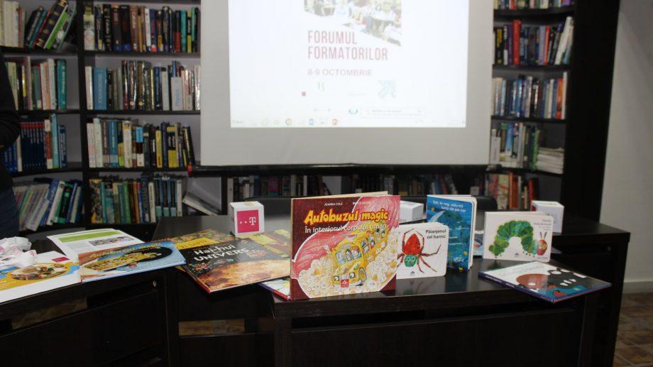 Bibliotecile din țară organizează un eveniment online unde veți putea asculta povești sau să aflați cum se formează fagurii de miere