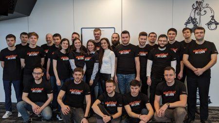 Un grup de tineri din România sunt în căutare de producători și ONG-uri pentru a oferi scuturi de protecție medicilor din Moldova